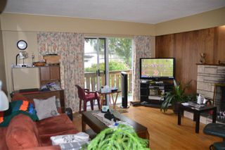 Photo 2: 6547 NANAIMO Street in Vancouver: Killarney VE House for sale (Vancouver East)  : MLS®# R2300811