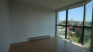 "Photo 10: 1702 121 TENTH Street in New Westminster: Uptown NW Condo for sale in ""VISTA ROYALE"" : MLS®# R2300815"