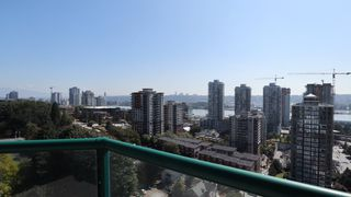 "Photo 2: 1702 121 TENTH Street in New Westminster: Uptown NW Condo for sale in ""VISTA ROYALE"" : MLS®# R2300815"