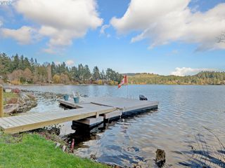 Photo 3: 4885 Prospect Lake Rd in VICTORIA: SW Prospect Lake House for sale (Saanich West)  : MLS®# 796539