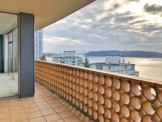 "Photo 10: 801 2135 ARGYLE Avenue in West Vancouver: Dundarave Condo for sale in ""THE CRESCENT"" : MLS®# R2320802"