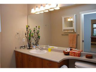 "Photo 11: 105 625 PARK Crescent in New Westminster: GlenBrooke North Condo for sale in ""WESTHAVEN"" : MLS®# R2328658"
