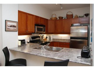 "Photo 3: 105 625 PARK Crescent in New Westminster: GlenBrooke North Condo for sale in ""WESTHAVEN"" : MLS®# R2328658"
