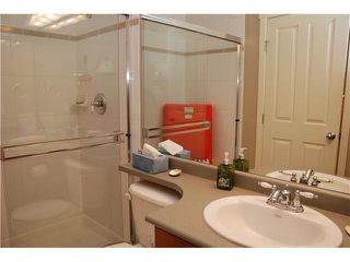 "Photo 12: 105 625 PARK Crescent in New Westminster: GlenBrooke North Condo for sale in ""WESTHAVEN"" : MLS®# R2328658"