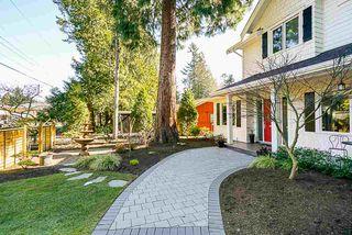 "Photo 3: 13074 15 Avenue in Surrey: Crescent Bch Ocean Pk. House for sale in ""OCEAN PARK"" (South Surrey White Rock)  : MLS®# R2345513"