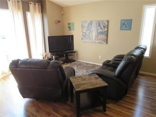 Photo 2: 60 Kirkham Bay in Winnipeg: Riverbend Residential for sale (4E)  : MLS®# 1912030