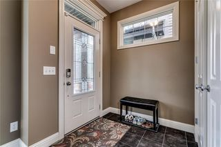 Photo 2: 2221 26 Street SW in Calgary: Killarney/Glengarry Detached for sale : MLS®# C4245993