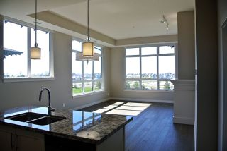 Photo 6: 409 4977 SPRINGS Boulevard in Delta: Cliff Drive Condo for sale (Tsawwassen)  : MLS®# R2383740