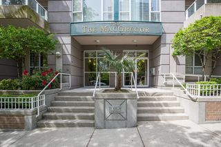 "Photo 1: 1405 5189 GASTON Street in Vancouver: Collingwood VE Condo for sale in ""MACGREGOR"" (Vancouver East)  : MLS®# R2385676"