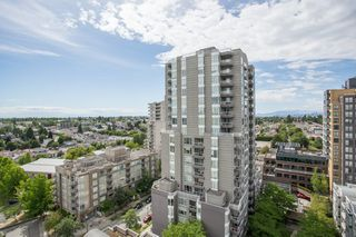"Photo 15: 1405 5189 GASTON Street in Vancouver: Collingwood VE Condo for sale in ""MACGREGOR"" (Vancouver East)  : MLS®# R2385676"