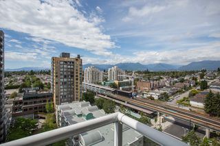 "Photo 12: 1405 5189 GASTON Street in Vancouver: Collingwood VE Condo for sale in ""MACGREGOR"" (Vancouver East)  : MLS®# R2385676"