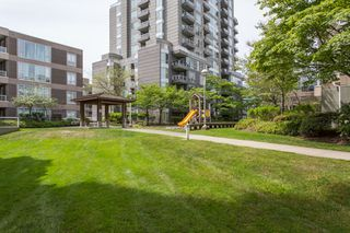 "Photo 18: 1405 5189 GASTON Street in Vancouver: Collingwood VE Condo for sale in ""MACGREGOR"" (Vancouver East)  : MLS®# R2385676"