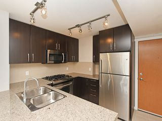 "Photo 5: 802 651 NOOTKA Way in Port Moody: Port Moody Centre Condo for sale in ""Sahalee"" : MLS®# R2386023"