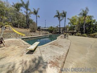 Photo 5: MOUNT HELIX House for sale : 5 bedrooms : 9200 Tropico Dr in La Mesa
