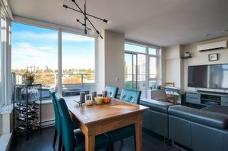 "Photo 7: 2002 668 COLUMBIA Street in New Westminster: Downtown NW Condo for sale in ""Trapp + Holbrook"" : MLS®# R2419627"