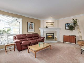 """Photo 3: 22 4748 54A Street in Delta: Delta Manor Townhouse for sale in """"ROSEWOOD"""" (Ladner)  : MLS®# R2452528"""