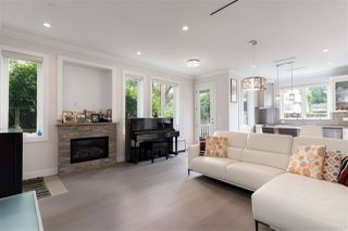 Photo 3: 1060 W 16TH Avenue in Vancouver: Shaughnessy Townhouse for sale (Vancouver West)  : MLS®# R2461478