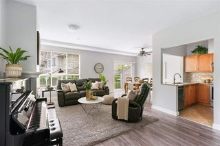"""Photo 5: 23 8568 209 Street in Langley: Walnut Grove Townhouse for sale in """"CREEKSIDE ESTATES"""" : MLS®# R2511124"""