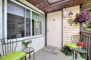 Photo 3: 139 Cedar Springs Gardens SW in Calgary: Cedarbrae Row/Townhouse for sale : MLS®# A1059547