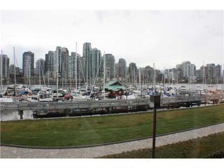 Photo 1: 1042 IRONWORK PASSAGE in Vancouver: False Creek Townhouse for sale (Vancouver West)  : MLS®# V884778