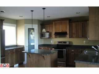 Photo 2: 32792 HOOD Avenue in Mission: Mission BC House for sale : MLS®# F1203505