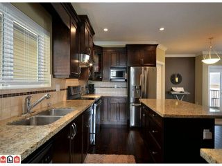 Photo 5: 19551 71 A Avenue in Surrey: House for sale : MLS®# F1224114