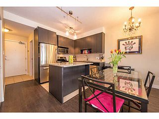 """Photo 10: 305 707 E 20TH Avenue in Vancouver: Fraser VE Condo for sale in """"Blossom"""" (Vancouver East)  : MLS®# V1116089"""