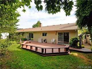 Photo 19: 3350 St. Troy Place in VICTORIA: Co Triangle Single Family Detached for sale (Colwood)  : MLS®# 353189