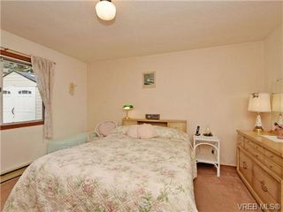 Photo 12: 3350 St. Troy Place in VICTORIA: Co Triangle Single Family Detached for sale (Colwood)  : MLS®# 353189