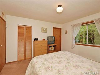 Photo 13: 3350 St. Troy Place in VICTORIA: Co Triangle Single Family Detached for sale (Colwood)  : MLS®# 353189