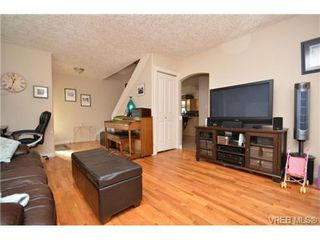 Photo 4: 3372 Shelbourne St in VICTORIA: SE Cedar Hill Half Duplex for sale (Saanich East)  : MLS®# 707040