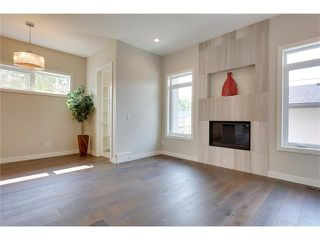Photo 15: 3715 43 Street SW in Calgary: Glenbrook House for sale : MLS®# C4027438
