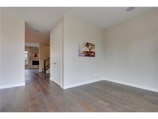 Photo 11: 3715 43 Street SW in Calgary: Glenbrook House for sale : MLS®# C4027438