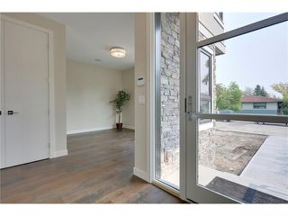 Photo 9: 3715 43 Street SW in Calgary: Glenbrook House for sale : MLS®# C4027438