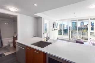 "Photo 3: 1001 1372 SEYMOUR Street in Vancouver: Downtown VW Condo for sale in ""THE MARK"" (Vancouver West)  : MLS®# R2001462"