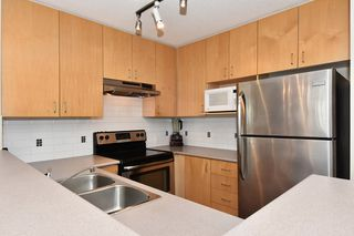 "Photo 6: 505 124 W 3RD Street in North Vancouver: Lower Lonsdale Condo for sale in ""THE VOGUE"" : MLS®# R2030995"