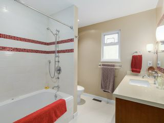 Photo 11: 3805 W 24TH Avenue in Vancouver: Dunbar House for sale (Vancouver West)  : MLS®# R2056795
