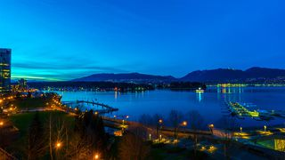 """Main Photo: 501 277 THURLOW Street in Vancouver: Coal Harbour Condo for sale in """"Three Harbour Green"""" (Vancouver West)  : MLS®# R2066572"""