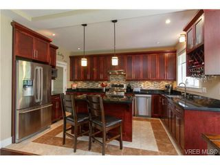 Photo 7: 1008 Limestone Lane in VICTORIA: La Bear Mountain Single Family Detached for sale (Langford)  : MLS®# 366772
