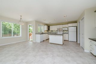 """Photo 10: 6195 167A Street in Surrey: Cloverdale BC House for sale in """"West Cloverdale"""" (Cloverdale)  : MLS®# R2084607"""
