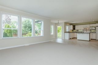 """Photo 9: 6195 167A Street in Surrey: Cloverdale BC House for sale in """"West Cloverdale"""" (Cloverdale)  : MLS®# R2084607"""