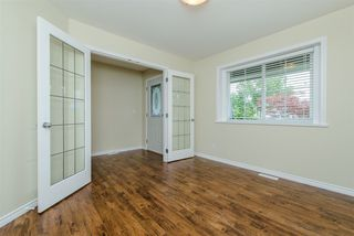 """Photo 4: 6195 167A Street in Surrey: Cloverdale BC House for sale in """"West Cloverdale"""" (Cloverdale)  : MLS®# R2084607"""
