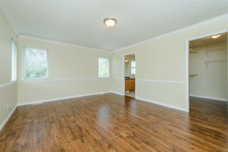 """Photo 11: 6195 167A Street in Surrey: Cloverdale BC House for sale in """"West Cloverdale"""" (Cloverdale)  : MLS®# R2084607"""