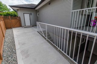 """Photo 19: 6195 167A Street in Surrey: Cloverdale BC House for sale in """"West Cloverdale"""" (Cloverdale)  : MLS®# R2084607"""