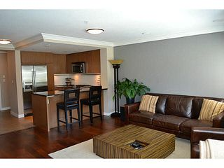 """Photo 5: 207 2940 KING GEORGE Boulevard in Surrey: Elgin Chantrell Condo for sale in """"High Street"""" (South Surrey White Rock)  : MLS®# R2086923"""