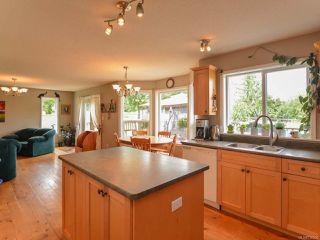 Photo 4: 2390 Humphrey Rd in MERVILLE: CV Merville Black Creek House for sale (Comox Valley)  : MLS®# 738200