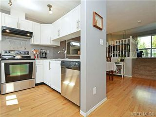 Photo 4: 1646 Myrtle Ave in VICTORIA: Vi Oaklands Row/Townhouse for sale (Victoria)  : MLS®# 741520