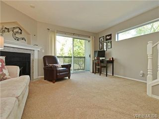 Photo 8: 1646 Myrtle Ave in VICTORIA: Vi Oaklands Row/Townhouse for sale (Victoria)  : MLS®# 741520