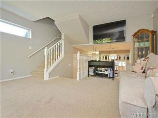 Photo 9: 1646 Myrtle Ave in VICTORIA: Vi Oaklands Row/Townhouse for sale (Victoria)  : MLS®# 741520