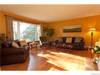 Photo 2: 63 Dells Crescent in Winnipeg: Meadowood Residential for sale (2E)  : MLS®# 1629082